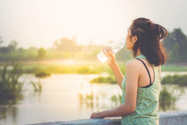 緑茶の効果的な飲み方を紹介。体に嬉しいタイミングで緑茶を飲みましょう!