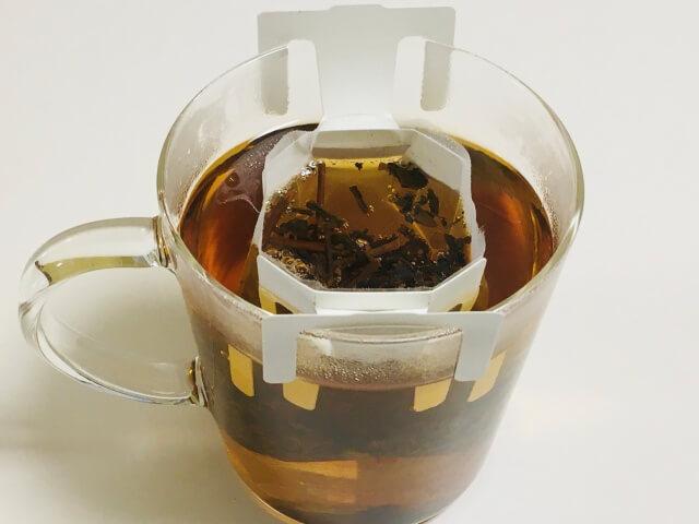 紅茶抽出中