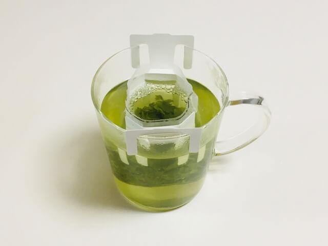 ③茶葉を蒸らす