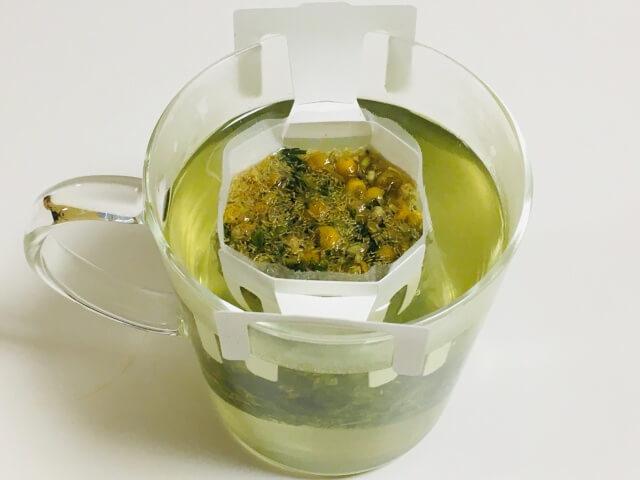 煎茶&カモミール抽出中